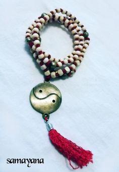 Japa Mala Rosario Budista con Dije Yin Yang. 108 por Samayana, $21.50