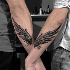 Best Cute Matching Couple Tattoo Ideas - Best Couple Tattoos: Discover Cute and Unique Matching Couple Tattoo Ideas To Show Off Your Love, Husband and Wife, Boyfriend and Girlfriend, His and Hers, Relationships and Marriage Sexy Couple Tattoos, Cool Tattoos For Girls, Best Tattoos For Women, Love Tattoos, Girl Tattoos, Forearm Tattoos, Hand Tattoos, Ring Finger Tattoos, Queen Tattoo