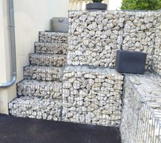 #CEMEX Île-de-France / Champagne-Ardennes : réalisation d'un #mur de soutènement et #escalier en #gabions chez un particulier à #Troyes. Les produits @CEMEXFrance sont disponibles partout en #France !  ••••••••••••••••••••••••••••••••••••  #construction #travaux #chantier #maison #house #gravier #gravel #granulats