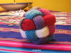 A knitted ball! Spool Knitting, Diy Crochet And Knitting, Crochet Toys, Baby Knitting, Crochet Baby, Sewing Crafts, Diy Crafts, Best Baby Gifts, Cool Baby Stuff
