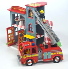 Le Toy Van Fire Station and Fire Truck set (sold separately)#toys2learn#letoyvan #wooden#fire#station#truck#emergency #toys#toy#children#child#kids