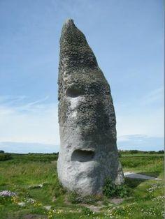 Menhir de Cam-Louis à Plouescat. Finistère. Brittany
