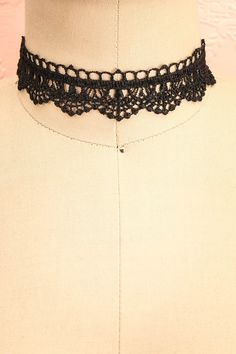 Deutzia Nuit #Boutique1861 / This Victorian style crochet lace choker is an elegant way to dress up any outfit.  #promaccessories