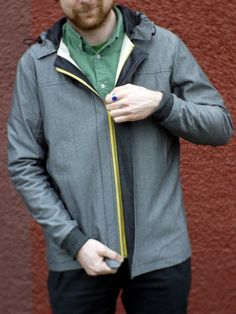 I love the contrasting yellow zipper!
