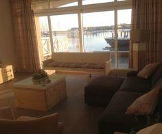 Woonkamer Appartement Port Zeeland. Uitzicht op de haven Marina Port Zélande.