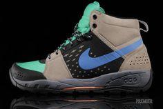 buy popular 7be42 e3679 Nike Alder Mid Footwear at Premier Nike Acg, Air Max Sneakers, Sneakers Nike ,