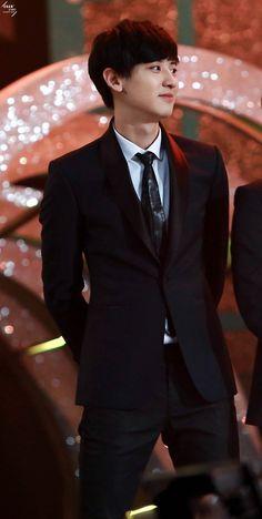he looks amazing #EXO #Chanyeol