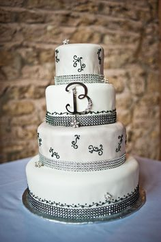 Feature cake from the 2013 Wedding Planner & Guide | SweetStreetBakery.com | TimFitch.com