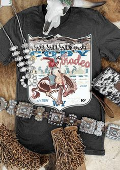 Cute Country Outfits, Southern Outfits, Bleach Shirts, Tee Shirts, Tees, Western Cowboy, Western Wear, Western Style, Cody Rodeo