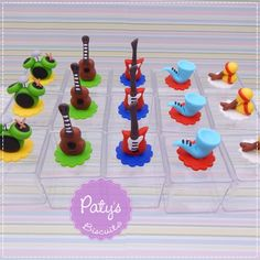 Caixinha Decorada instrumentos Musicais - Paty's Biscuit - Festa Infantil Music Birthday Parties, Music Party, Guitar Party, Party Pops, Baby Boy 1st Birthday, Ideas Para Fiestas, Party Themes, Musicals, Crafts