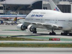 Air Pacific 747- 400