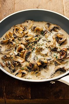 Snelle champignonsaus…Klaar in minder dan 5 minuten! Vegetarian Recipes, Cooking Recipes, Healthy Recipes, Belgian Food, Fish And Meat, Italian Recipes, Food Inspiration, Love Food, Food To Make
