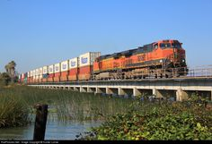 RailPictures.Net Photo: BNSF 984 BNSF Railway GE C44-9W (Dash 9-44CW) at Antioch, California by Hunter Lohse