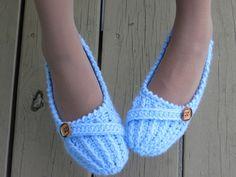easy+crochet+socks++patterns+on+youtube   Anne Lee Slippers, Crochet Slipper Pattern for Women, US sizes 5 to 10