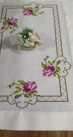 Cross Stitch Heart, Cross Stitch Borders, Cross Stitch Flowers, Cross Stitching, Cross Stitch Patterns, Hobbies And Crafts, Diy And Crafts, Baby Dress Patterns, Hand Embroidery Stitches