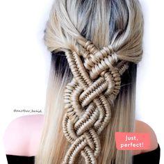 Braiding with braids. Hmm, sure why not! By: Braid Braiding with braids. Hmm, sure why not! Easy Hairstyles For Medium Hair, Braids For Long Hair, Medium Hair Styles, Braided Hairstyles, Long Hair Styles, Female Hairstyles, Style Hairstyle, Hairstyles 2018, Infinity Braid Hair