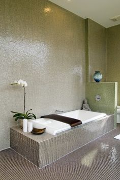 20 Cool Green Bathroom Design Ideas : Simple Bathroom With Relax Atmosphere White Tub And Small Tiles Wall Zen Bathroom Design, Green Bathroom Decor, Brown Bathroom, Simple Bathroom, Bathroom Styling, Bathroom Interior, Bathroom Designs, Bathroom Ideas, Bathroom Makeovers