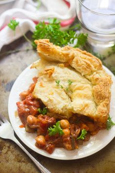 """vegan-yums: """"""""A savory mix of herb and wine simmered chickpeas, veggies and olives is stuffed into a puff pastry crust and baked to flaky perfection to make this hearty vegan ragoût pot pie. Delicious Vegan Recipes, Vegetarian Recipes, Vegan Meals, Healthy Recepies, Vegetarian Cooking, Veggie Recipes, Vegan Food, Healthy Foods, Raw Vegetables"""
