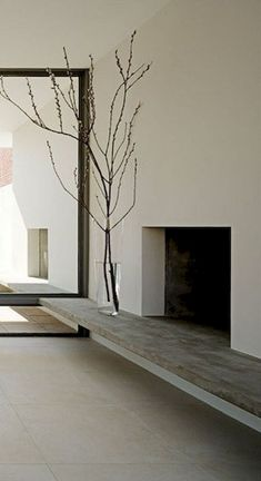 Architect Visit: Minimalist Fireplace Roundup Home in New York by Steven Harris Architecture Fireplace Hearth, Home Fireplace, Modern Fireplace, Fireplace Surrounds, Fireplace Design, Fireplace Ideas, Fireplace Seating, Minimalist Fireplace, Minimalist Living