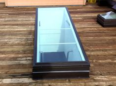 Roof Door Glass_likely replacement over mechanical sliding