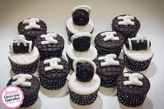 Sweet Cucas and Cupcakes by Rosângela Rolim: Mini cupcakes Tema Chanel