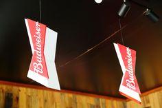 Tailor Made - Budweiser para Harleys Bar