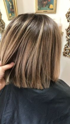 Brown Hair Balayage, Brown Blonde Hair, Bayalage Bob, Short Brown Hair With Blonde Highlights, Short Light Brown Hair, Bronde Bob, Hair Color And Cut, Color For Short Hair, Haircut And Color