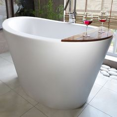 The True Ofuro is one of very first Japanese styled soaking bathtubs. Designed and crafted in Italy with an extremely internal deep seating, of about 30 inches. This True Ofuro bathtub has