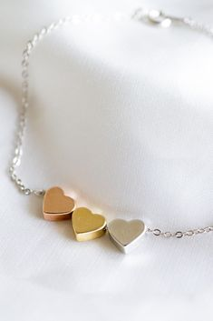 Gifts For Friends, Gifts For Her, Or Rose, Rose Gold, Etsy Jewelry, Jewelry Accessories, Shape Crafts, Personalized Necklace, Heart Bracelet