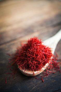 A GIFT FOR ARISTOCRACY - Organic Saffron Tea: Claimed as the most expensive spice in the world, its delicate aroma and golden hue have captured the hearts of aristocracy since time and till th - Inlagd Saffran ::  Soaked Saffron Threads - Made by Mary