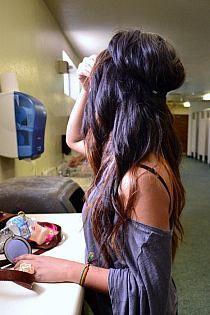 love her hair.sometimes I miss having dark hair. My Hairstyle, Pretty Hairstyles, Headband Hairstyles, Boho Hairstyles, Hairstyle Ideas, Wedding Hairstyles, Love Hair, Gorgeous Hair, Coiffure Hair