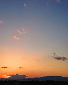 ゆうそらさっきソラ  #空 #夕焼け #夕陽 #夕日 #イマソラ #いまそら #ダレカニミセタイソラ #写真好きな人と繋がりたい #写真撮ってる人と繋がりたい #photo #japan #landscape #日本 #風景 #instagram #igers #igersjp #sun #sunshine #sunset #sunsetlovers #igで繋がる空 #sky #skylovers #skyporn #skypainters #skyscraper #photooftheday #instasky #instagood