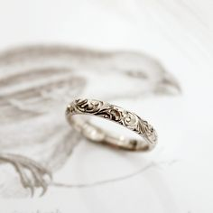 18ct white gold 3mm floral engraved