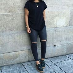 Love her style  follow @naomi_gozi