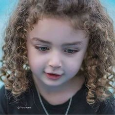 Hairstyle collection for girls Cute Little Baby Girl, Cute Baby Girl Pictures, Beautiful Children, Beautiful Babies, Cute Kids, Cute Babies, Baby Tumblr, Girl God, Cute Baby Wallpaper