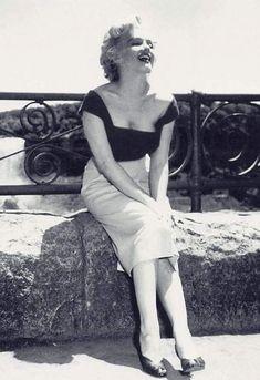 Marilyn. Photo by Jock Carroll, 1952.