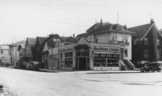 MacMarr Stores market at 474 Oakland Avenue (ca. 1930) This site is currently occupied by a massive concrete support for overhead I-580 MacArthur Freeway. MacMarr Stores were absorbed as a predecessor store into the Oakland-based Safeway chain in 1940.