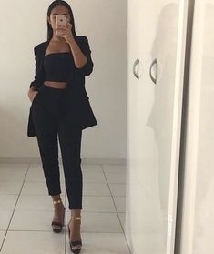 things to wear. Evening Outfits, Night Outfits, Dinner Party Outfits, Cute Casual Outfits, Stylish Outfits, Mode Instagram, Fiesta Outfit, Mode Ootd, Look Blazer