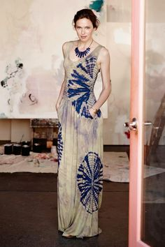 Tidal Maxi Dress by Vanessa Virginia Tiled from Anthropologie. Shop more products from Anthropologie on Wanelo. Shibori, Tye Dye, The Dress, Dress Skirt, Estilo Hippy, Ethno Style, How To Dye Fabric, Mode Inspiration, Dress Outfits