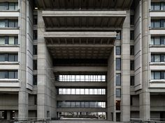 20141207. The main entrance colossal and classic brutalist Ross