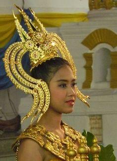 Chada (ชฎา) crown-like headdress on a traditional Thai dancer.