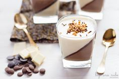 Vasitos de tres chocolates Tres Chocolates, Chocolate Cups, Chocolate Blanco, Mousse Dessert, Trifle, Jelly, Panna Cotta, Bakery, Deserts