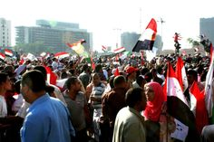The crowd swarming at Tahrir Square throughout the 2012 elections via Pete Willows #Egypt