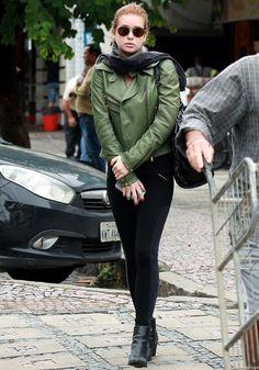 Street Style: o estilo das famosas nas ruas