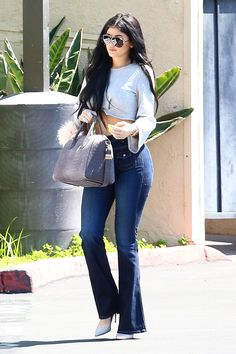 These Are the Jeans Kylie Jenner Can't Stop Wearing Kylie Jenner Outfits, Kendall And Kylie Jenner, Kylie Jenner Jeans, Estilo Kylie Jenner, Casual Outfits, Fashion Outfits, Fashion Styles, Fashion Fashion, Fashion Ideas