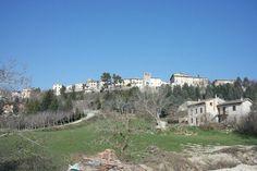 Comune di Costacciaro \ Sindaco - Andrea Capponi \ Altitudine - 567 m s.l.m \ Superficie - 41,30 km² \ Abitanti - 1.319 \ Densità - 31,94 ab./km² \ Frazioni - Costa San Savino, Rancana, Villa Col de' Canali \ Comuni confinanti - Fabriano (AN), Gubbio, Sassoferrato (AN), Scheggia e Pascelupo, Sigillo \ Cod. postale - 06021 \ Nome abitanti - costacciaroli \ Patrono - Beato Tommaso da Costacciaro