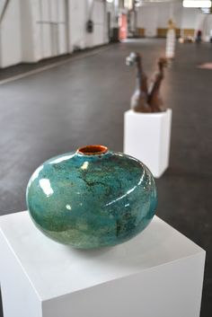 ALIA BILGRAMI Natural elegance [Ceramics Annual of America 2012, San Francisco]