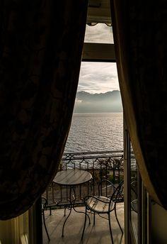 Gekrönt relaxen im Hotel des Trois Couronnes in Vevey - Travelita Vevey, Hotels, Around The Worlds, Rooms, Windows, Curtains, Luxury, Places, Home Decor