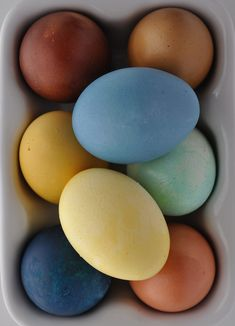 How To Dye Eggs Natually