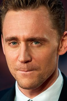 Tom Hiddleston attends a gala screening of 'High-Rise' during the BFI London Film Festival at Odeon Leicester Square on October 9, 2015 in London. Full size image - UHQ (double click on the image): http://tomhiddleston.us/gallery/albums/userpics/10001/8335.jpg Source: http://tomhiddleston.us/gallery/displayimage.php?album=596&pid=21865#top_display_media